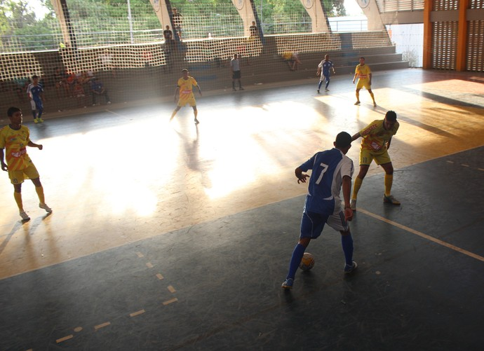 Valença x Crensa, pelo Piauiense de Futsal (Foto: Wenner Tito)