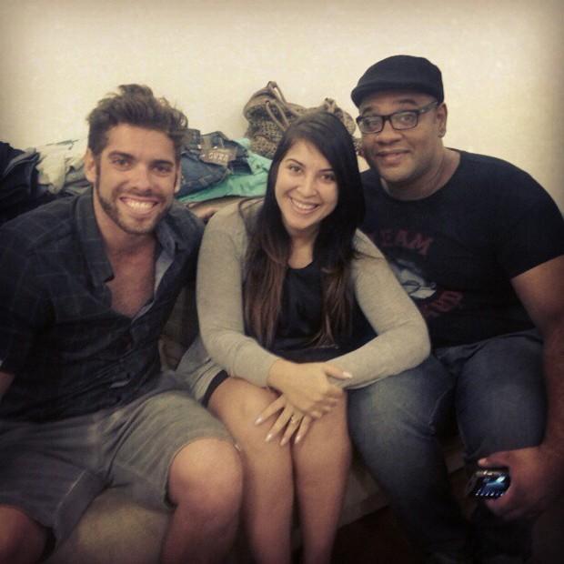 Priscila Pires posta foto com os ex-BBBs Maumau e André Gabeh (Foto: Instagram / Reprodução)