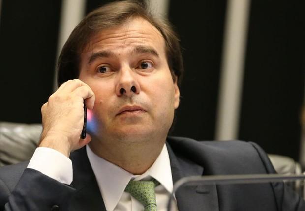 O presidente da Câmara dos Deputados, Rodrigo Maia (DEM-RJ), durante sessão de votação do projeto de recuperação dos estados (Foto: Antonio Cruz/Agência Brasil)