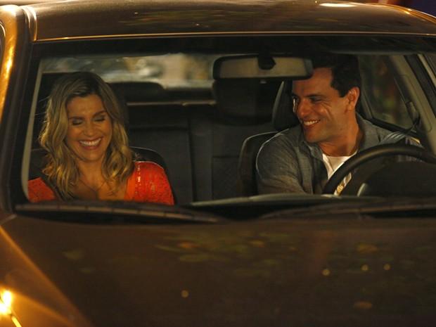 Flávia Alessandra e Rodrigo Lombardi em gravação esta noite (Foto: Salve Jorge/TV Globo)