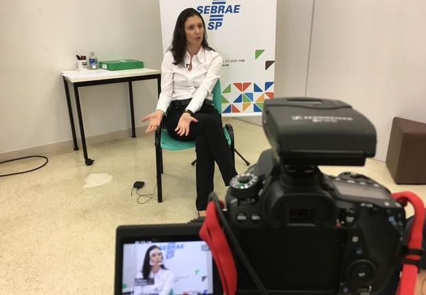 Juliana Schneider, diretora de cultura empreendedora da Escola de Negócios Alencar Burti (Foto: The Girls on the Road)