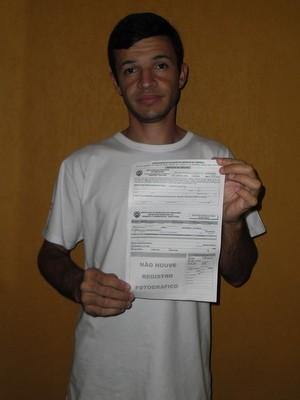 Montador recebe multa após chamar a atenção de agente de trânsito em Piracicaba (Foto: Adriano Rocha Vieira dos Santos)