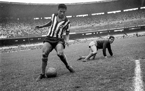 garrincha em jogo do botafogo (Foto: Agência Globo)
