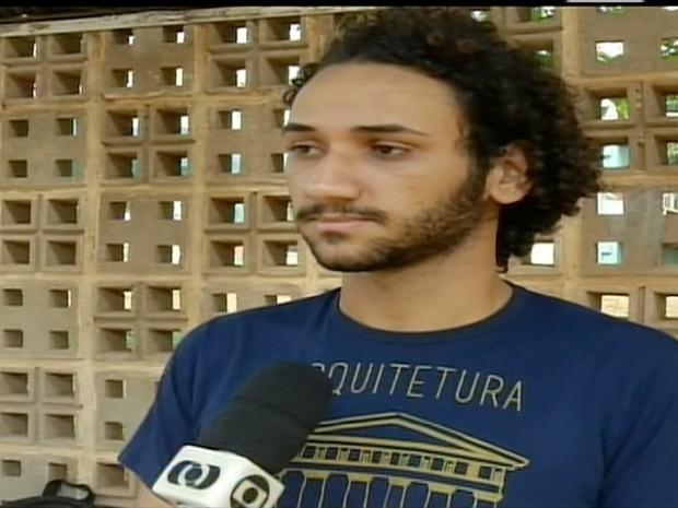 Estudante baixa renda teve passagem negada (Foto: Reprodução/TV Anhanguera)