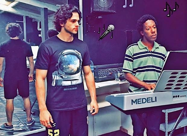 Bruno Ahmed durante a preparação para o musical 'Toda forma de amor' (Foto: Divulgação)