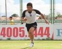 Ceará anuncia volante naturalizado togolês para sequência na temporada