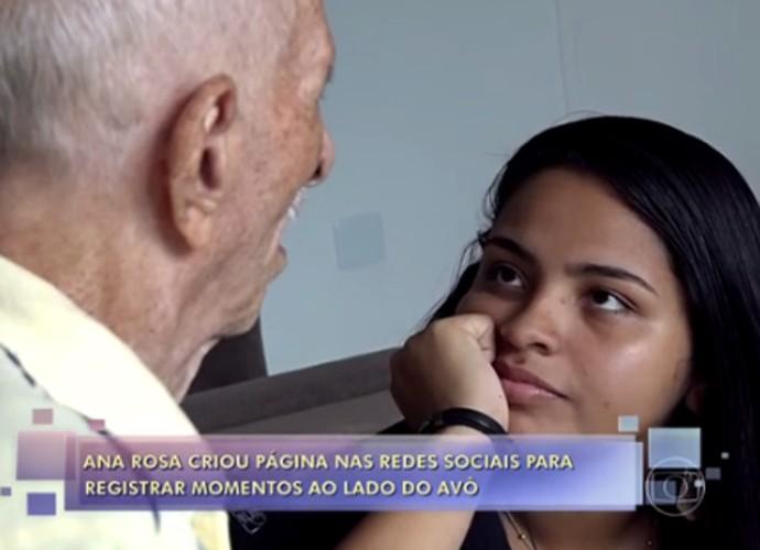 Com a página, Ana Rosa registra momentos com o avô (Foto: TV Globo)
