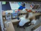 Circuito de segurança flagra roubo a farmácia em Marília