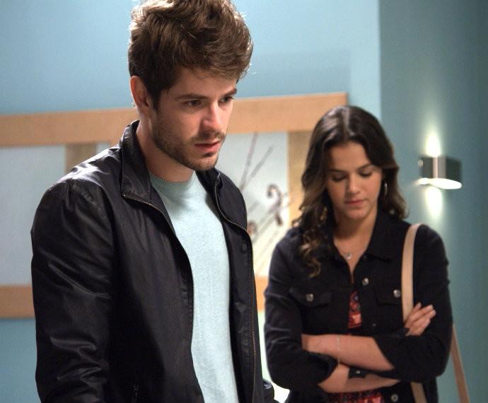 Mari visita Margot, mas não é bem recebida (Foto: TV Globo)