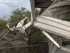 Temporal interdita rodovias e destelha casas em regiões de SC