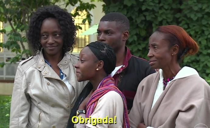 Isabelle se emociona ao rever família (Foto: TV Globo)