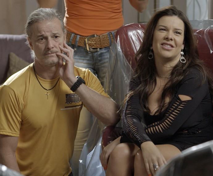 Mel não se segura e fala toda a verdade (Foto: TV Globo)