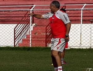 Jorge Saran comanda treino no Vila Nova (Foto: Reprodução/TV Anhanguera)