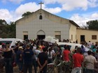 Velório de família assassinada na zona rural é realizado em Caruaru
