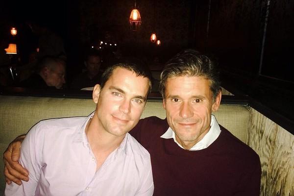 Matt Bomer e Simon Hall (Foto: Twitter)