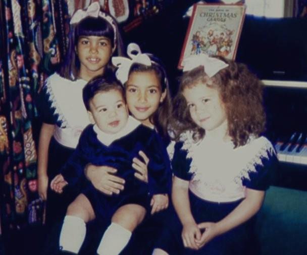 Kourtney, Kim, Khloé e Rob Kardashian (Foto: Reprodução)