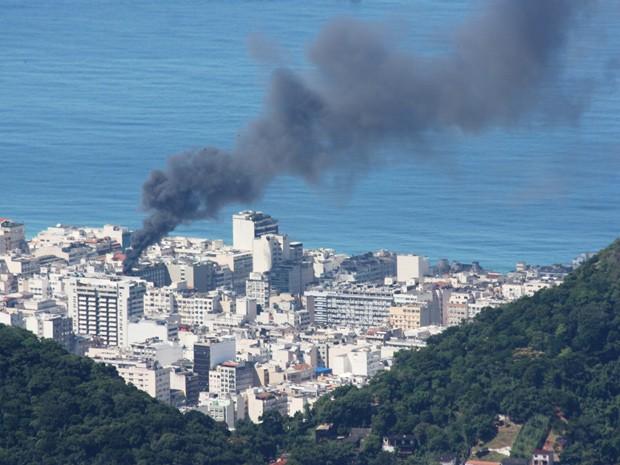 Incêndio em Copacabana, no Rio  (Foto: Marcos Estrella/TV Globo)