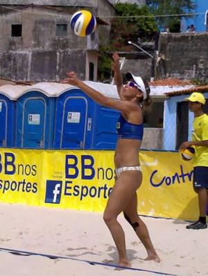 Isa vôlei de praia piauí (Foto: Reprodução/Facebook)