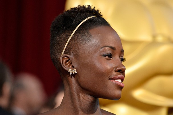 HOLLYWOOD, CA - MARCH 02:  Actress Lupita Nyong'o attends the Oscars held at Hollywood & Highland Center on March 2, 2014 in Hollywood, California.  (Photo by Frazer Harrison/Getty Images) (Foto: Getty Images)