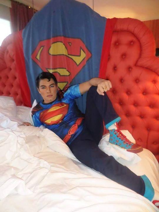 Herbert Chavez, de 37 anos, fez 23 plásticas para ficar parecido com o Super-Homem (Foto: Reprodução do Instagram)