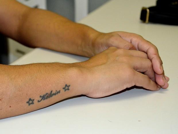 Mãe tem nome do filho gravado na pele (Foto: Dani Fechine/G1)