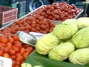 Tomate tem preço alto em Campinas, segundo balanço da Ceasa (Foto: Reprodução / EPTV)