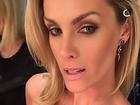 Ana Hickmann posa de lingerie e exibe decote na web: 'Não tá incrível?'