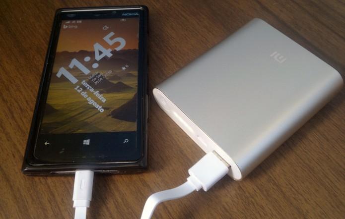 Baterias externas podem ser uma boa opção para quem não quer ficar desconectado (Foto: Elson de Souza/TechTudo)