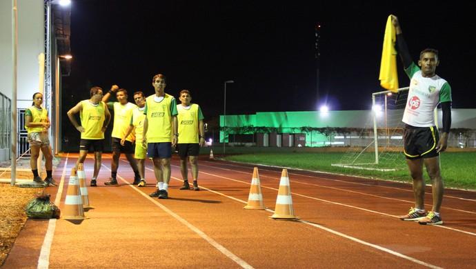 Árbitros do Acre participam de teste da FFAC para returno do estadual 2015 (Foto: João Paulo Maia)