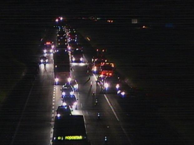 Trânsito ficou lento na Rodovia Castelo Branco, na altura de Itatinga, SP. (Foto: Reprodução/TV Tem)