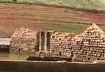 Ruínas na represa de Igaratá (Foto: Reprodução/TV Vanguarda)