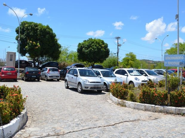 Assaltos ocorrem com frequencia no estacionamento do Huse (Foto: Marina Fontenele/G1)