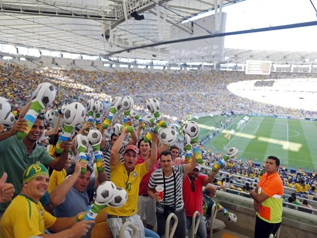Torcida No Jogo Brasil E Inglaterra Na Reabertura Do Maracana Foto Pilar Olivares