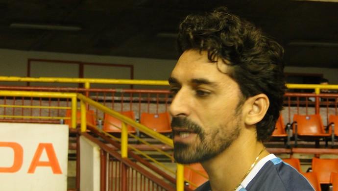 Filipe, ponteiro do Cruzeiro, barba (Foto: Rafael Araújo)