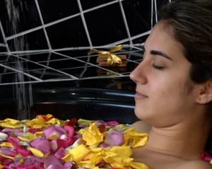 Aprenda a fazer um sal de banho para banheiras (Foto: Rio Sul Revista)