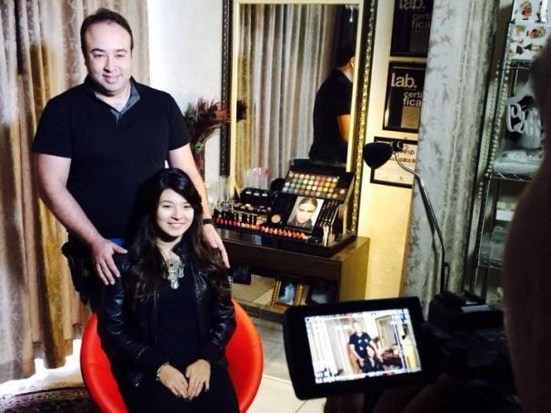 Maquiador dá dicas de maquiagens para nipônicas  (Foto: Reprodução / TV Diário)