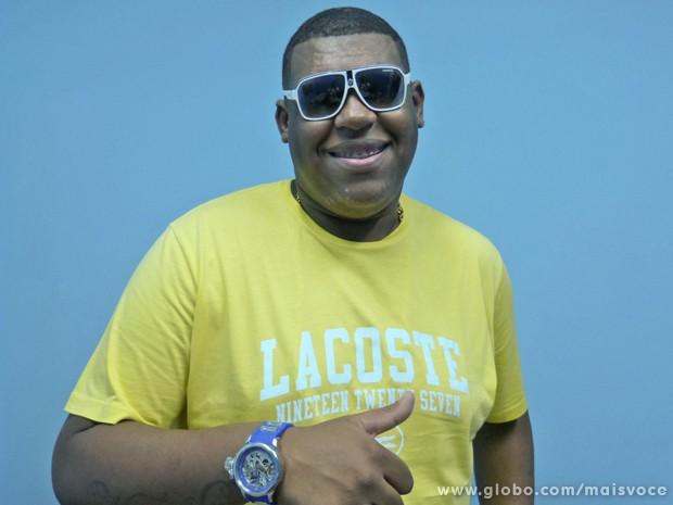 MC Bola conta tática para atrair público em seus shows (Foto: Mais Você / TV Globo)