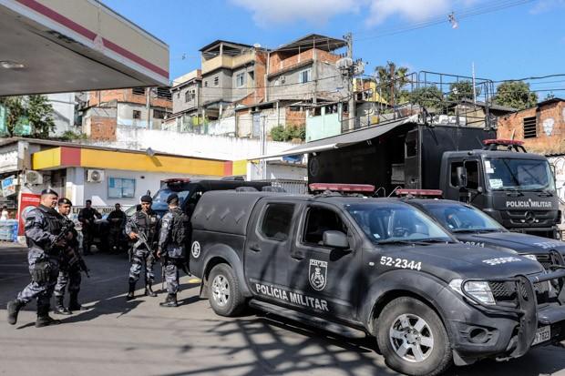 Um dia após a morte de Playboy, policiamento é reforçado na Pedreira (Foto: Guilherme Pinto/EXTRA/Agência O Globo)