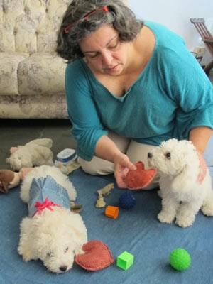 Com viagem para a França marcada, Zaira deixará suas duas cachorras com o pai. (Foto: Arquivo Pessoal)