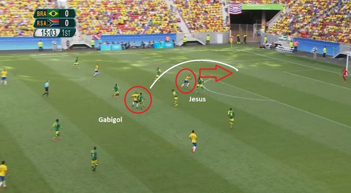 Gabigol tenta achar Gabriel Jesus, mas o atacante não alcança (Foto: Reprodução)