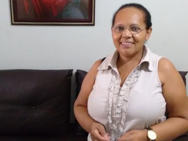 Edith dos Santos segue tradições populares na Semana Santa (Foto: Gustavo Xavier / G1)