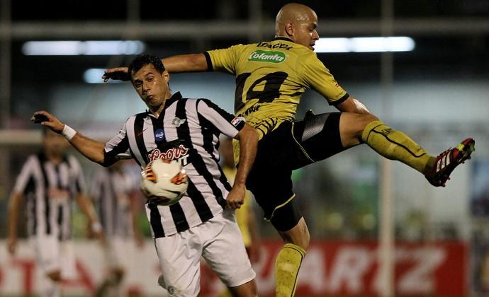 Itagüi 1 x 0 Libertad, Copa Sul-Americana (Foto: EFE)