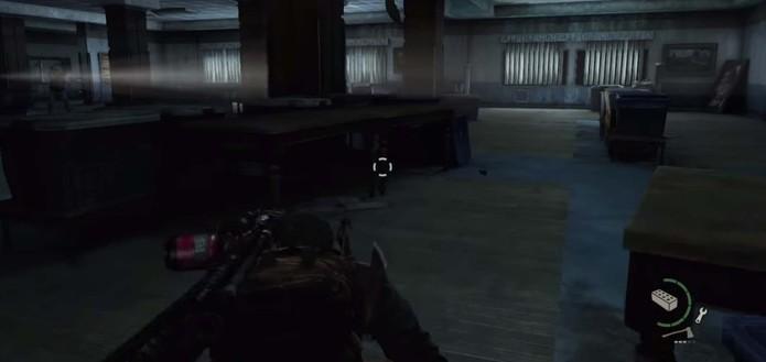 Esconda-se dos soldados (Foto: Reprodução/YouTube)
