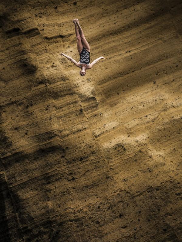 Antes de se tornar saltadora de penhascos, Rachelle fez ginástica artística e mergulhou com baleias e golfinhos do SeaWorld (Foto: Getty Images)