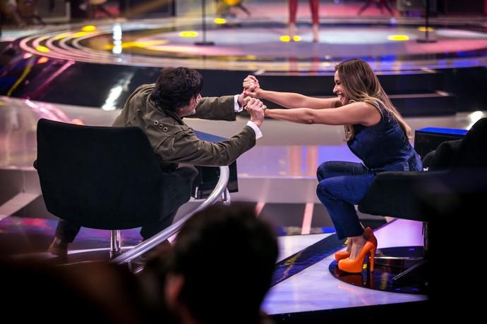 Daniela e Paulo deram as mãos depois de uma apresentação no 'SuperStar' (Foto: Isabella Pinheiro/Gshow)