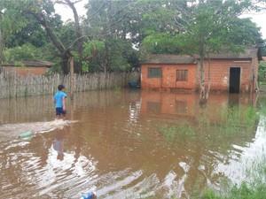 Mais de 30 casas estão alagadas em Bela Vista, segundo município (Foto: Hemerson Buiú/Top Notícia)