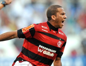 Jael comemora gol do Flamengo (Foto: Nina Lima / Vipcomm)