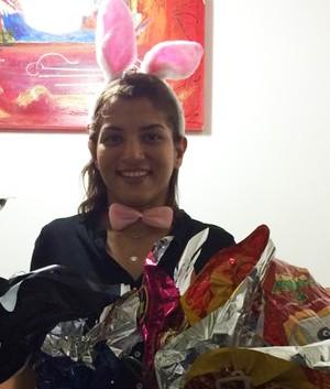 Sarah Menezes comemora aniversário de coelhinha da Páscoa (Foto: Reprodução/Facebook)