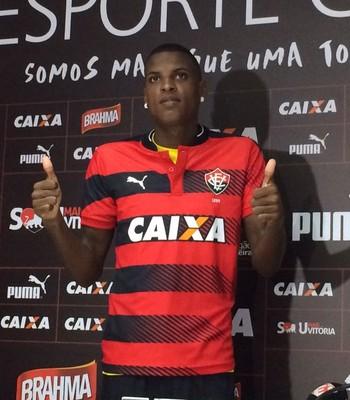 Bruno Ramires; Vitória (Foto: GloboEsporte.com)
