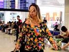 Beijinho no ombro até no aeroporto! Valesca Popozuda embarca no Rio